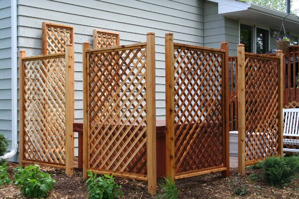 Wood work lattice privacy screens and fences pdf plans for Lattice screen fence
